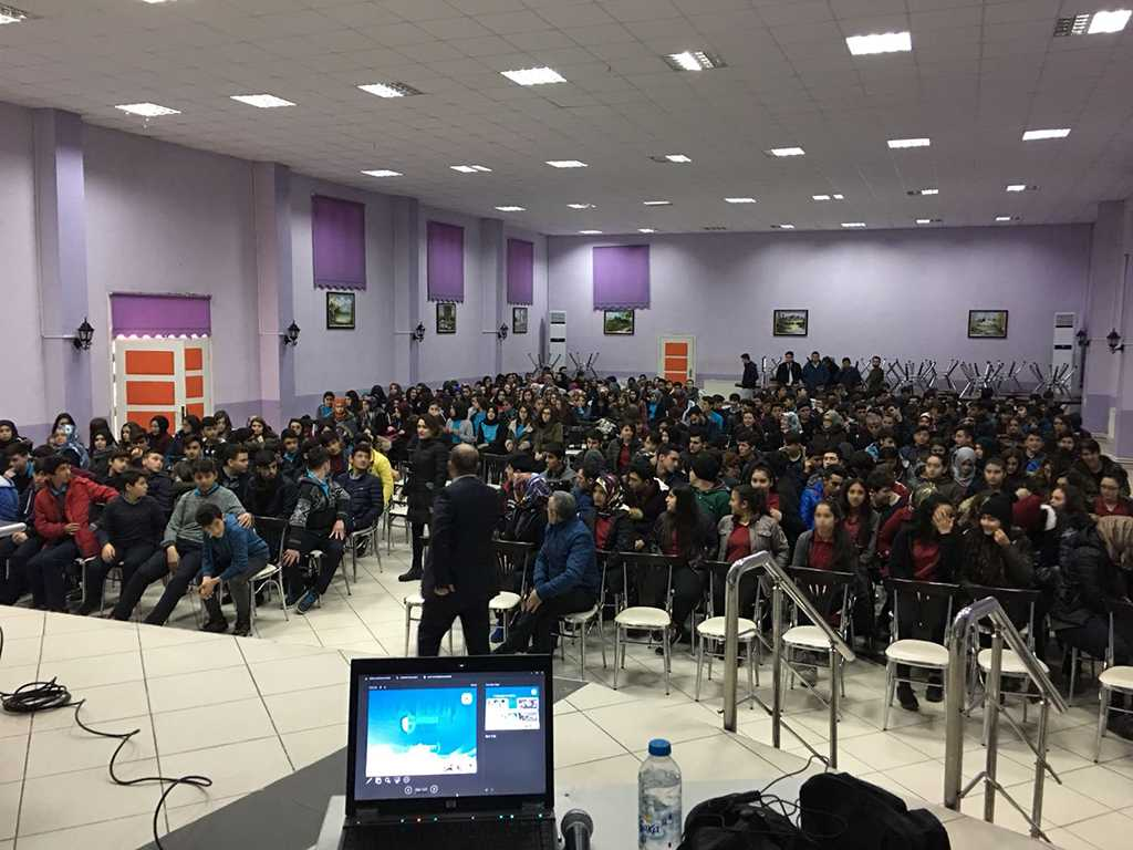 Çorum Kargı Fen Lisesi, Bilinçli ve Güvenli İnternet Semineri