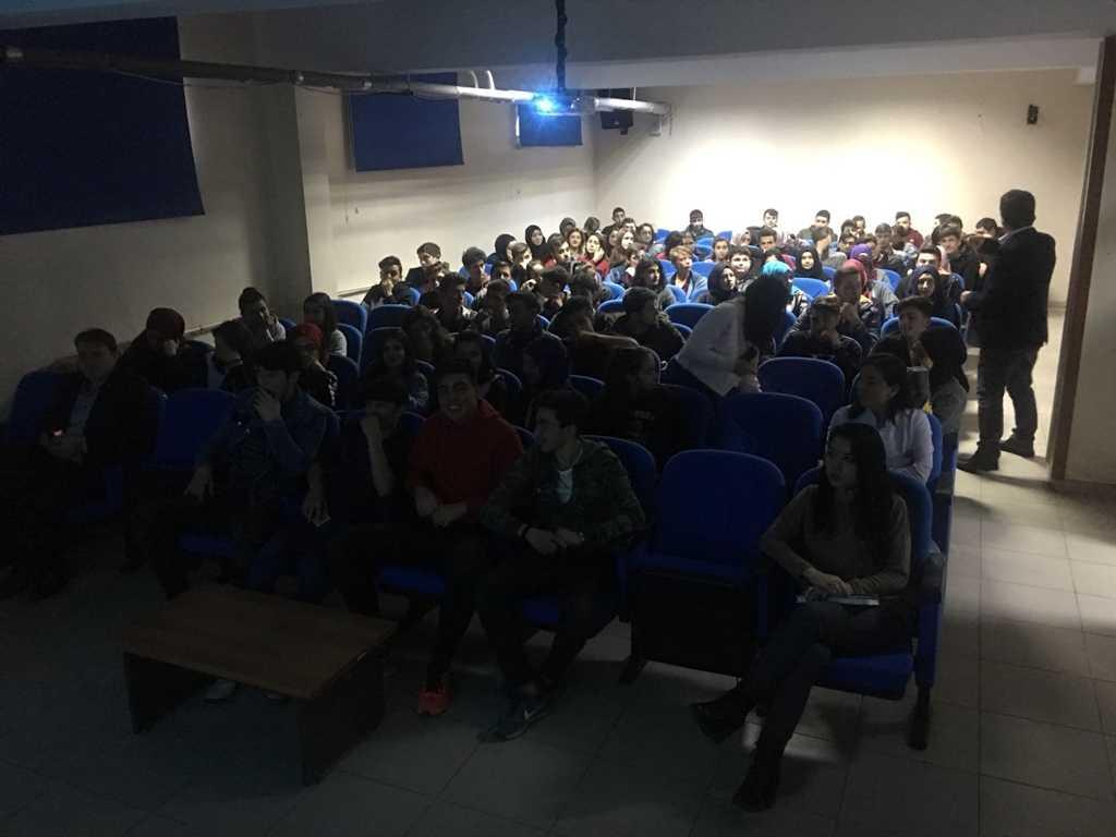 Giresun Eynesil Anadolu Lisesi'nde Bilinçli ve Güvenli İnternet Semineri