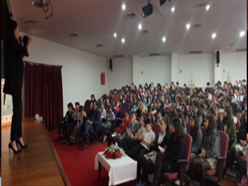 İstanbul Şişli Maçka Pakmaya Hüsamettin Ziler Ortaokulu'nda Bilinçli ve Güvenli İnternet Semineri