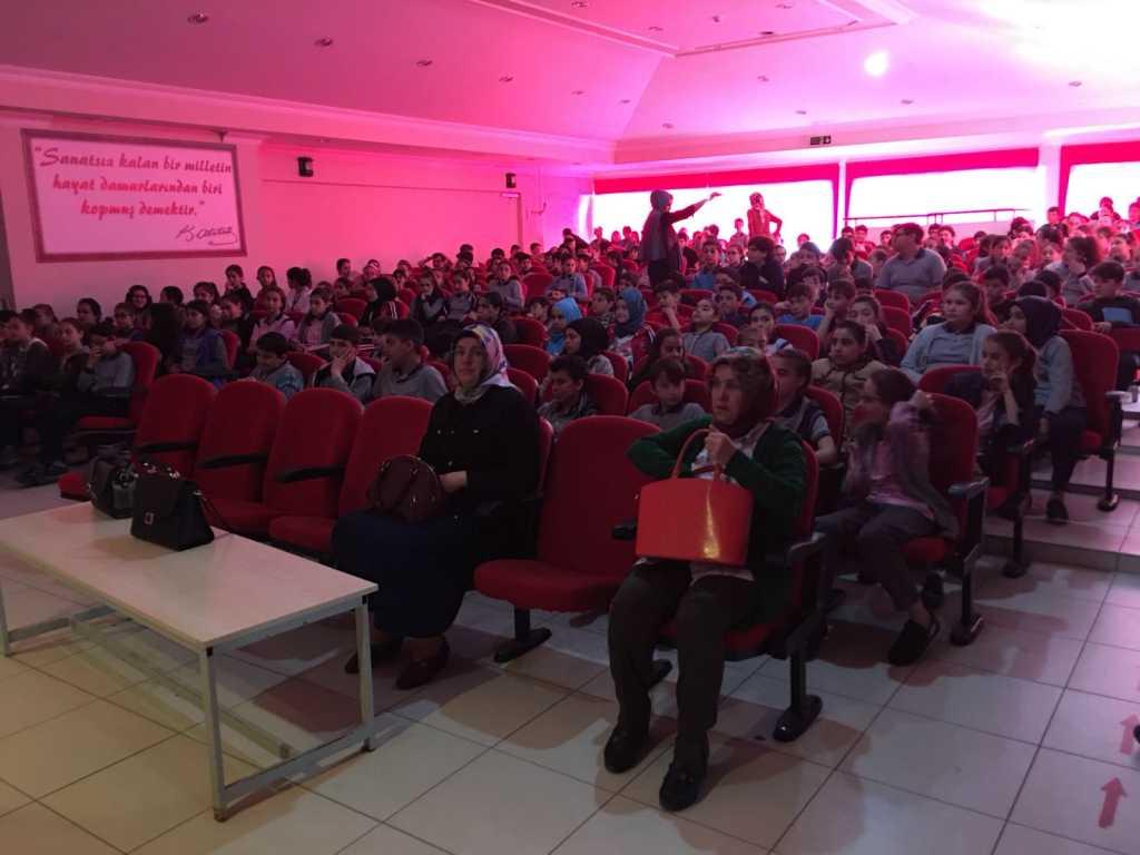 Samsun Bafra Fatih Ortaokulu'nda Bilinçli ve Güvenli İnternet Semineri