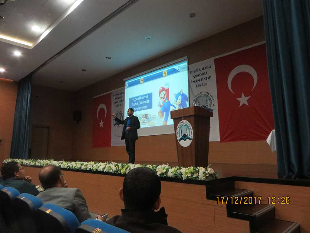 Ankara Tevfik İleri Anadolu İmam Hatip Lisesi'nde Veli Semineri