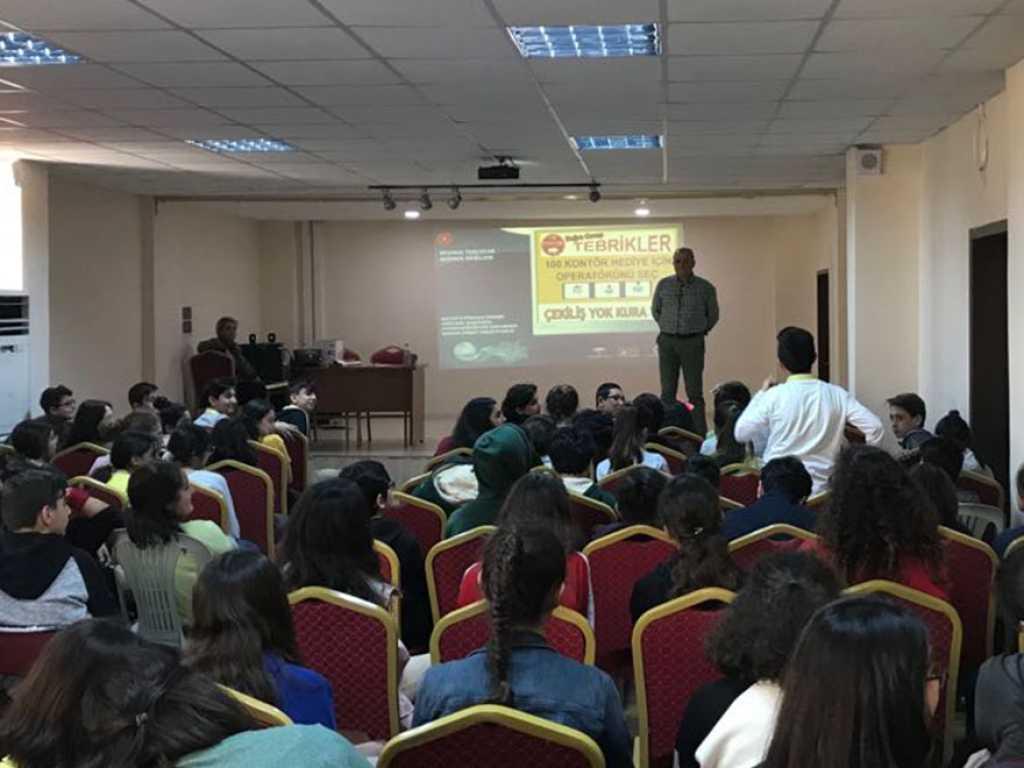 Mersin Çankaya Ortaokulu'nda Bilinçli ve Güvenli İnternet Semineri