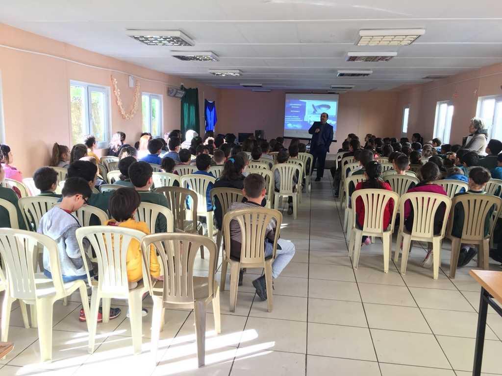 Trabzon Çarşıbaşı Ortaokulu'nda Bilinçli ve Güvenli İnternet Semineri
