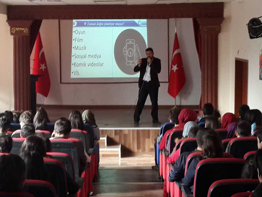 Ankara Gülveren Anadolu Lisesi'nde Bilinçli ve Güvenli İnternet Semineri