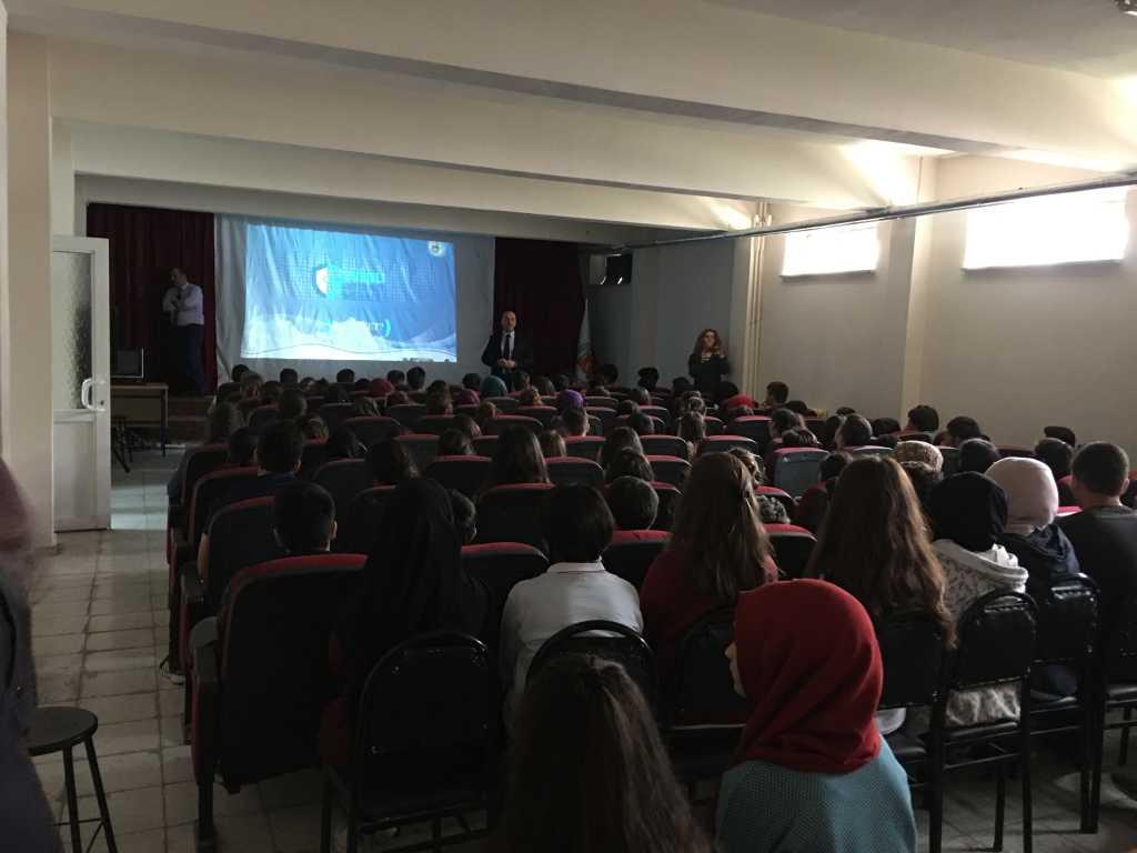 Amasya Alptekin Anadolu Lisesi'nde Seminer