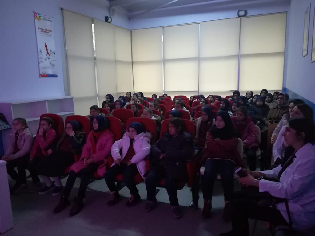 Samsun Ondokuzmayıs İmam-Hatip Ortaokulu'nda Bilinçli ve Güvenli İnternet Semineri