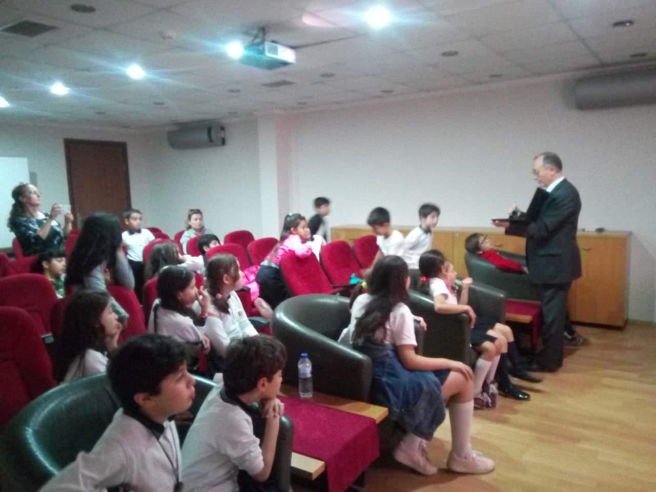 İzmir Necip Fazıl Kısakürek İlkokulunda, Bilinçli Ve Güvenli İnternet Semineri