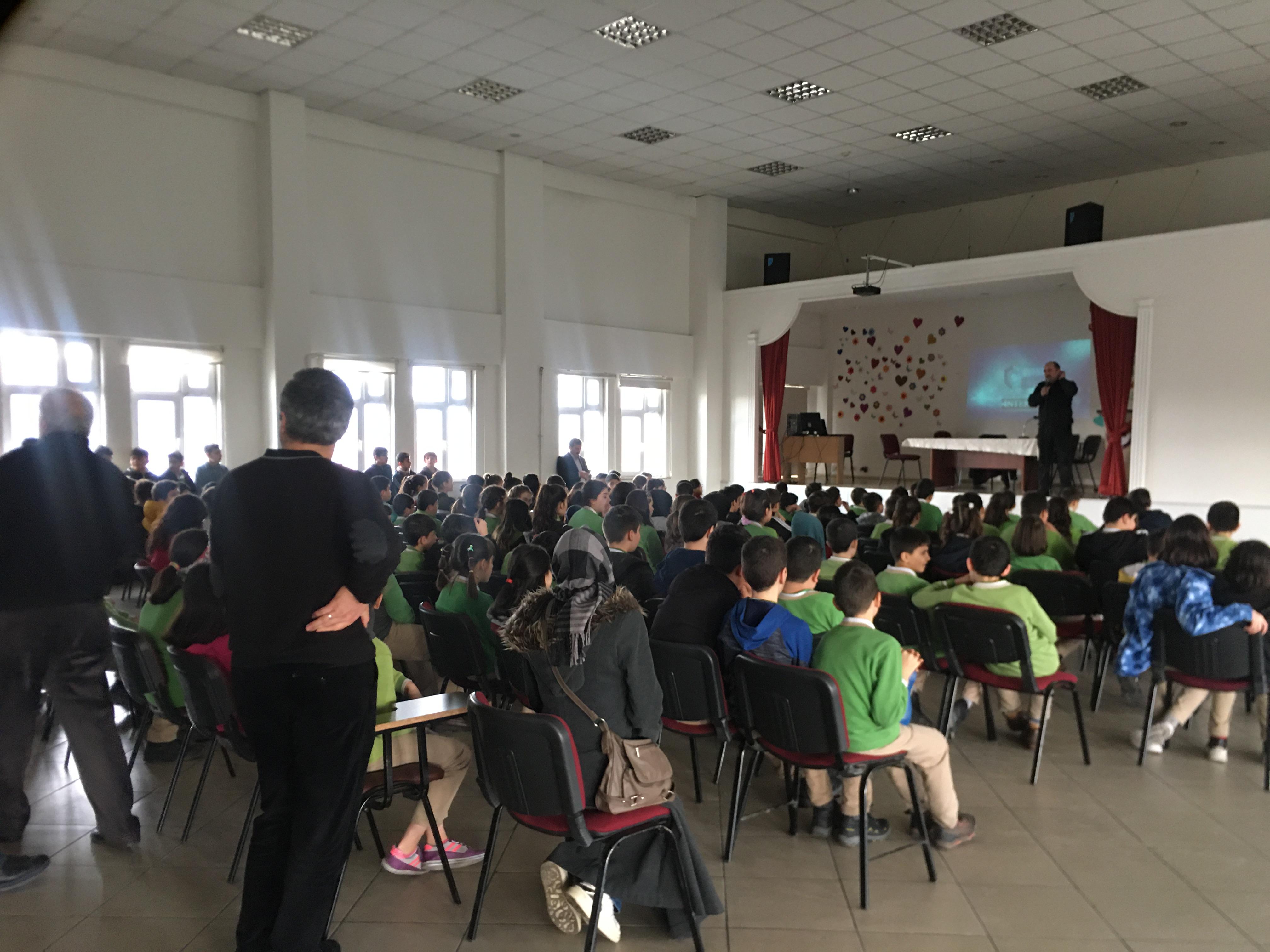 Çorum Cumhuriyet Ortaokulunda, Bilinçli Ve Güvenli İnternet Semineri