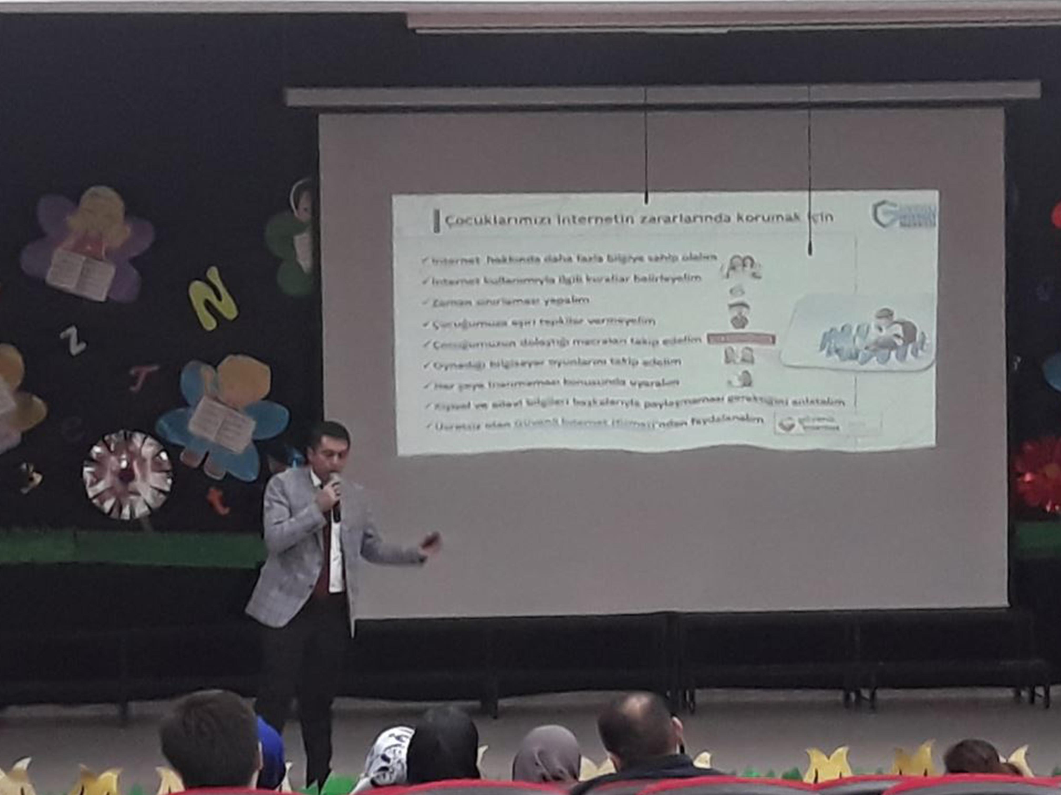 Ankara Yenimahalle Pınar Kolejinde Bilinçli Ve Güvenli İnternet Semineri