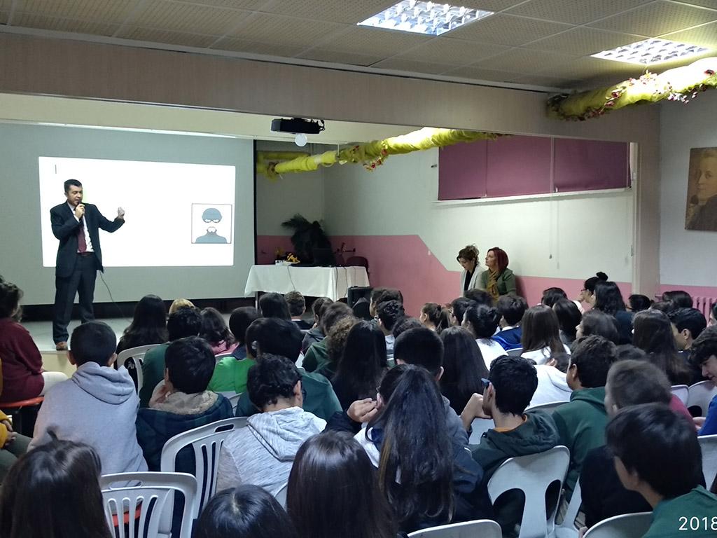 Ankara Çankaya Fevzi Özbey Ortaokulu'nda Bilinçli ve Güvenli İnternet Semineri