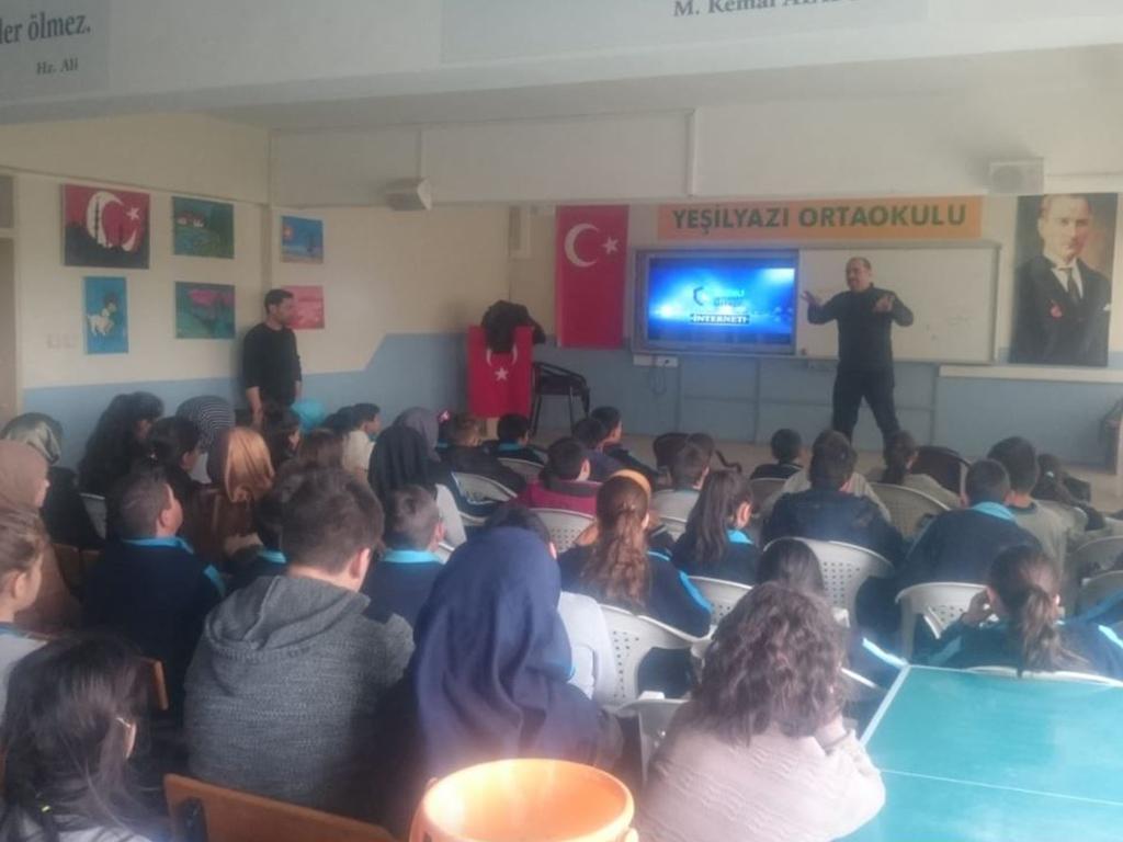 Samsun Bafra Yeşilyazı Ortaokulu, Bilinçli Ve Güvenli İnternet Semineri