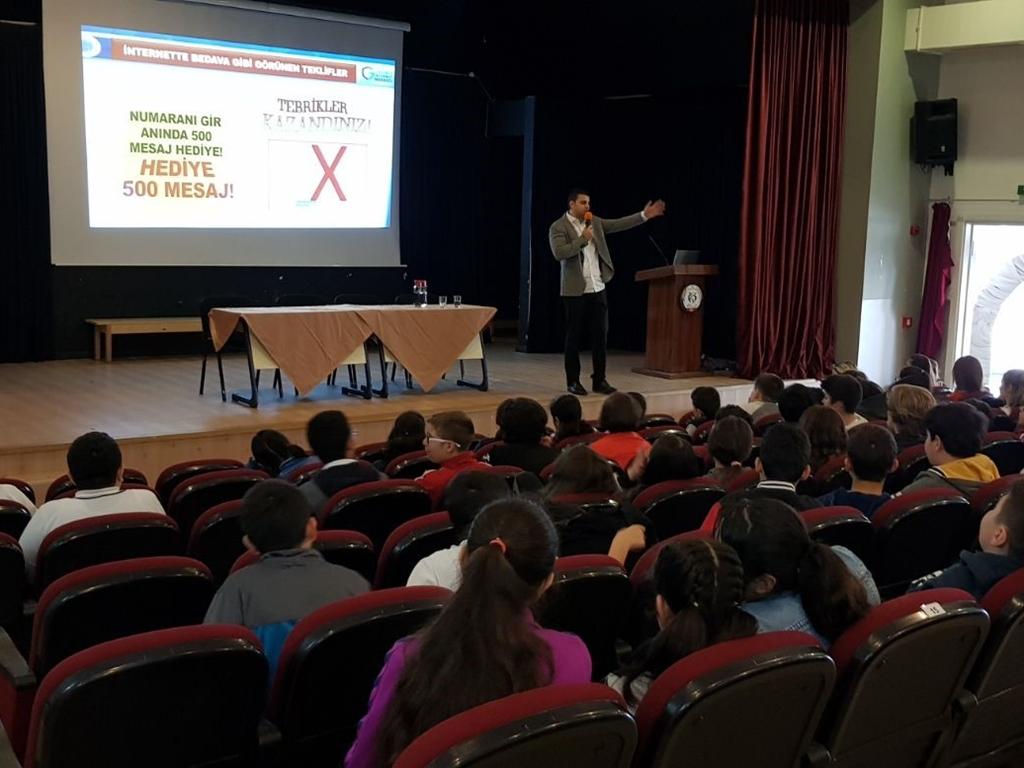 İstanbul TOKİ Avrupa Konutları Ortaokulu'nda Bilinçli ve Güvenli İnternet Semineri