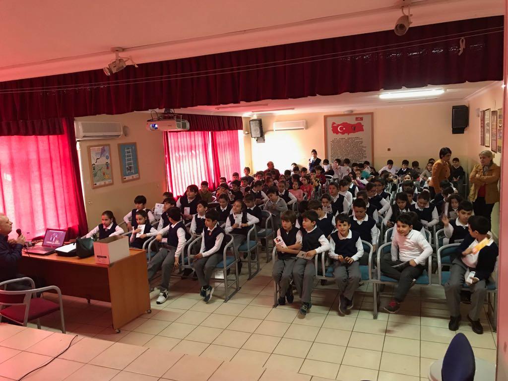 Mersin Yenişehir İlçesinde Cumhuriyet İlkokulu'nda Bilinçli ve Güvenli İnternet Semineri