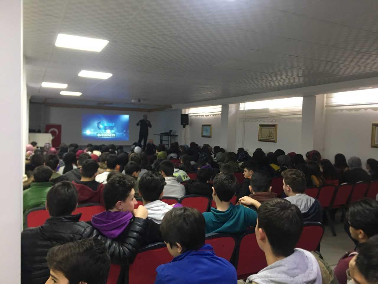 Ordu  Ünye, Ünye Anadolu İmam Hatip Lisesi, Bilinçli Ve Güvenli İnternet Semineri