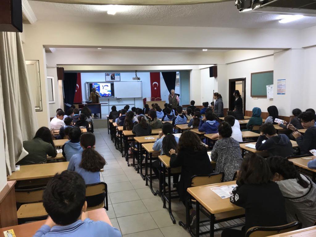 Mersin Yenişehir Barbaros Ortaokulu'nda Bilinçli ve Güvenli İnternet Semineri
