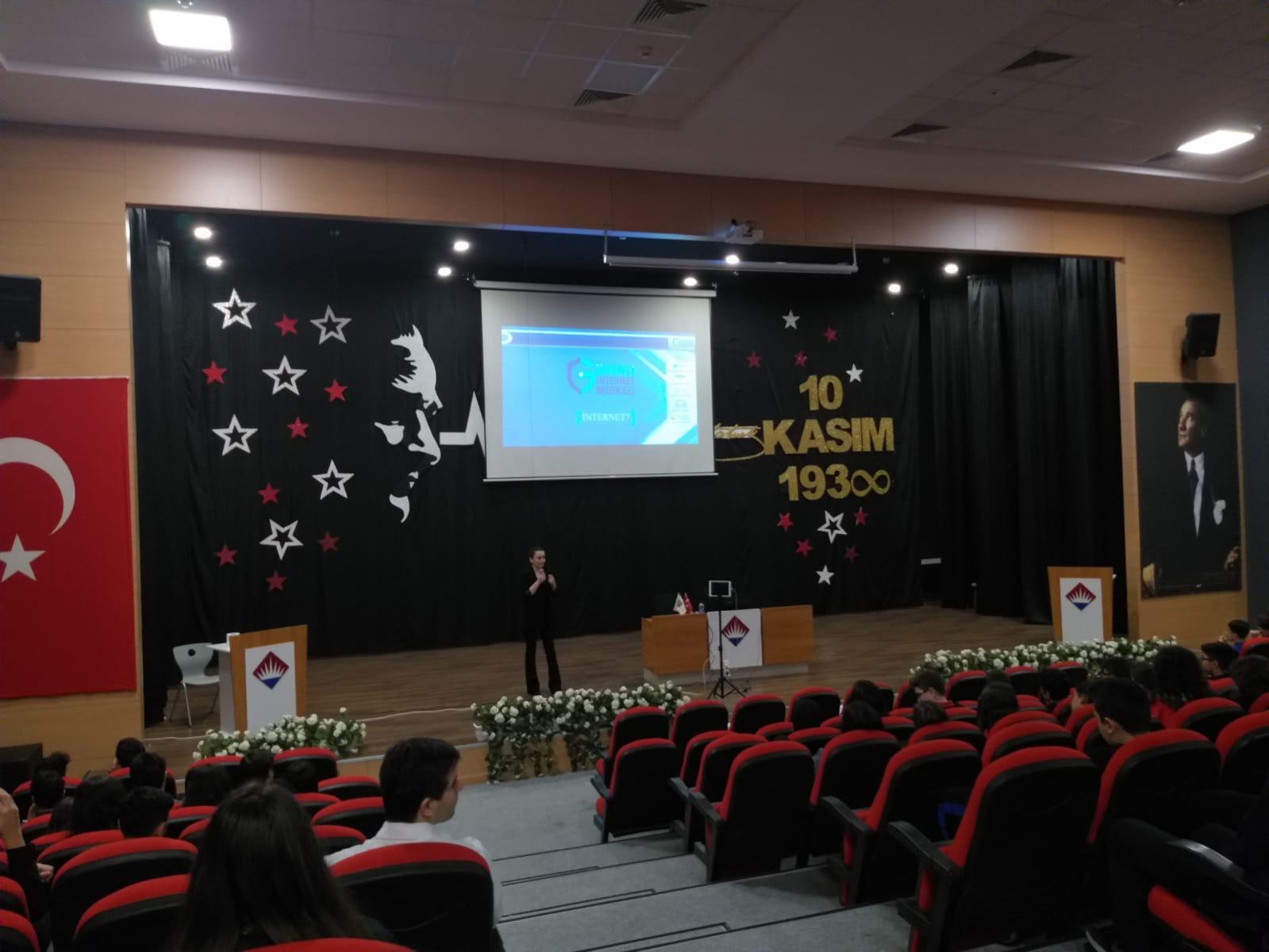 İstanbul Bahçeşehir Tema Kolejinde, Bilinçli ve Güvenli İnternet Semineri