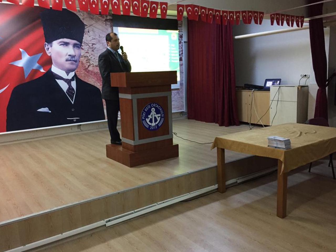 Mersin Yenişehir Pirireis Ortaokulunda, Bilinçli Ve Güvenli İntenet Semineri