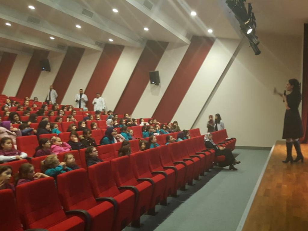 İstanbul Başakşehir Yenidoğu Koleji'nde Bilinçli ve Güvenli İnternet Semineri