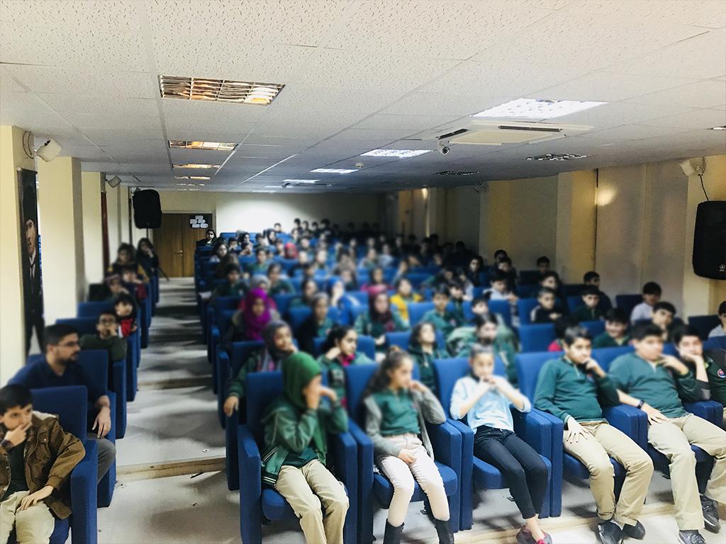 İstanbul Başakşehir Hikmet Ulubağ Ortaokulu'nda Bilinçli ve Güvenli İnternet Semineri