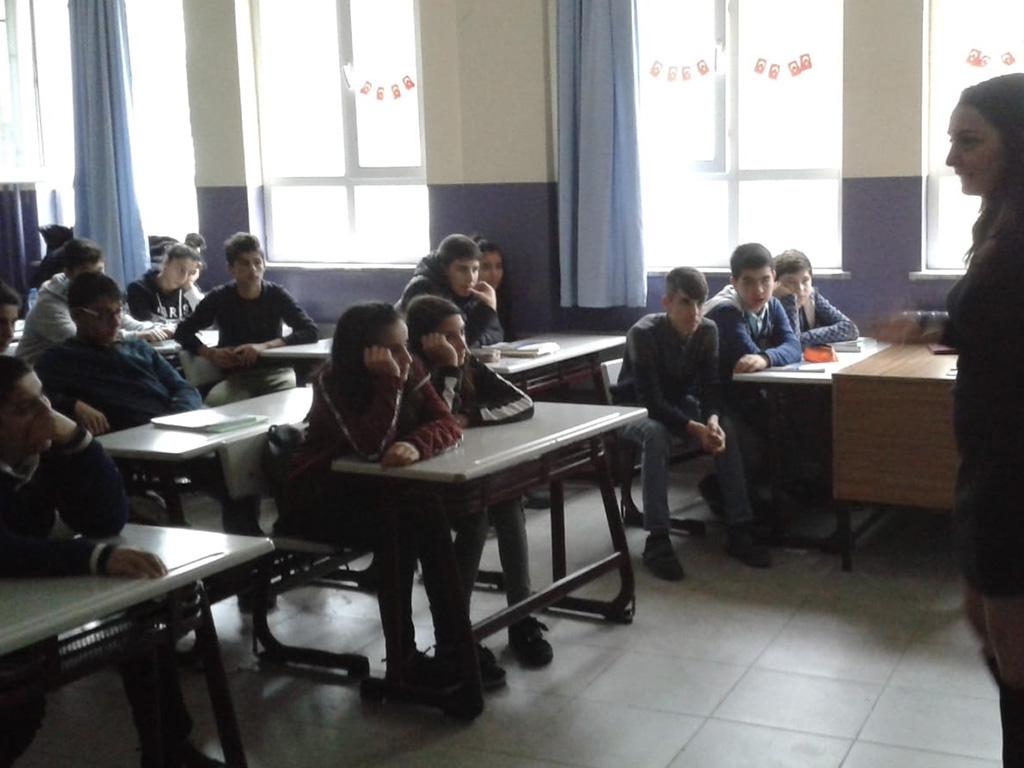 İstanbul Başakşehir Güvercintepe Ortaokulu'nda Bilinçli ve Güvenli İnternet Semineri