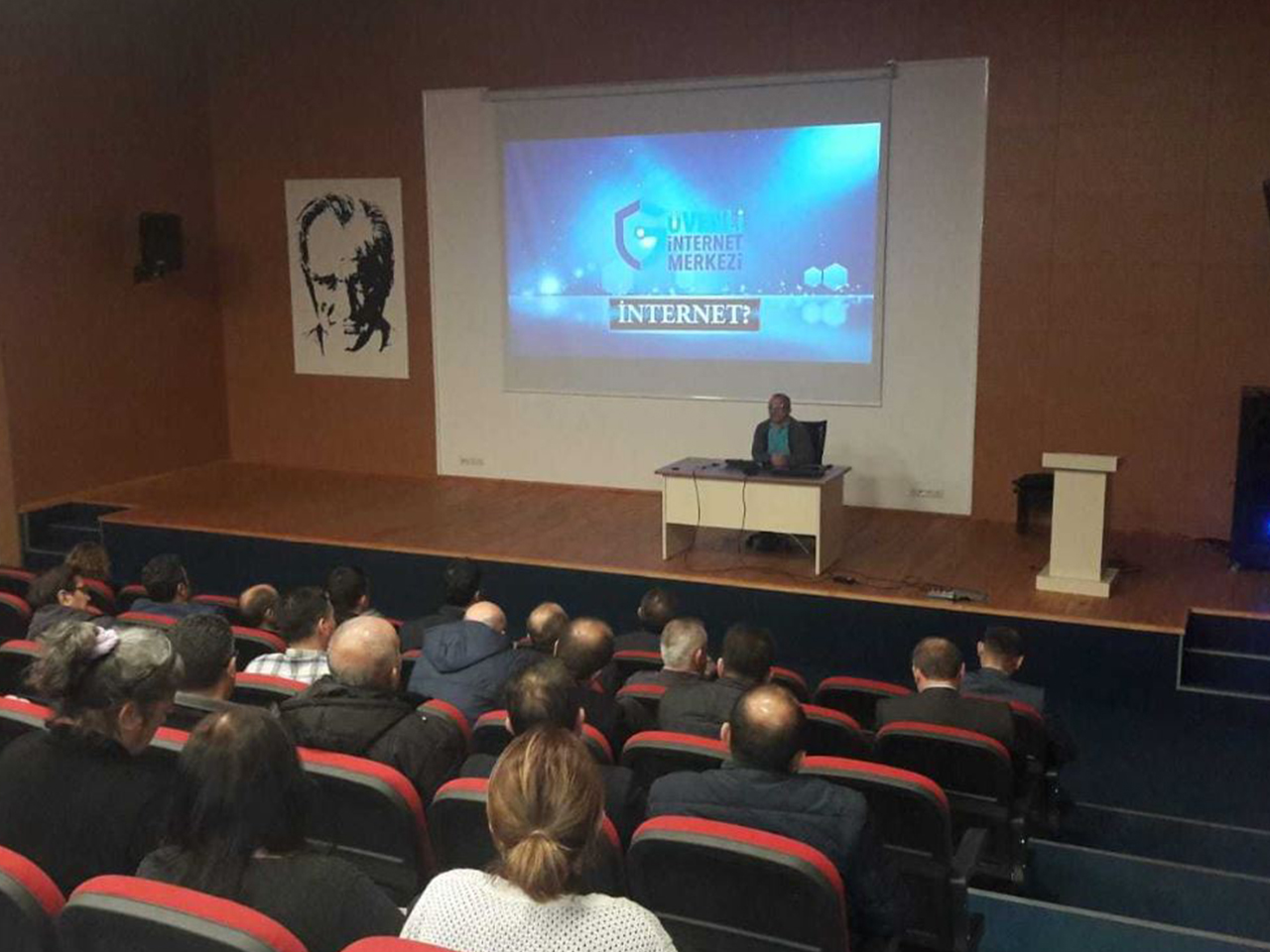 Ordu Gülyalı Kaymakamlığında, Bilinçli Ve Güvenli İnternet semineri