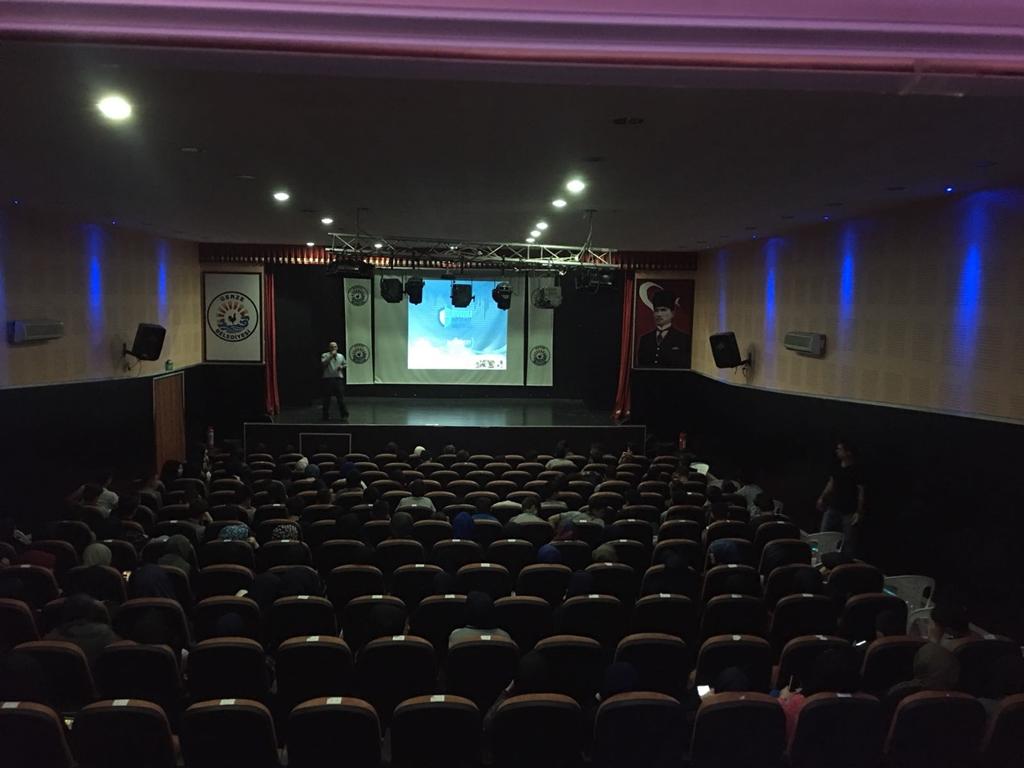 Sinop Gerze Belediye Konferans Salonunda Bilinçli ve Güvenli İnternet Semineri