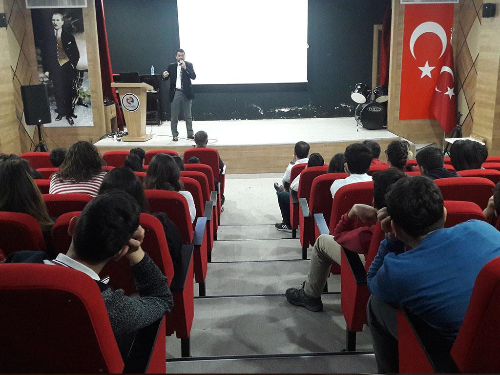 Ankara Eryaman Z Kuşağı Koleji'nde Bilinçli ve Güvenli İnternet Semineri
