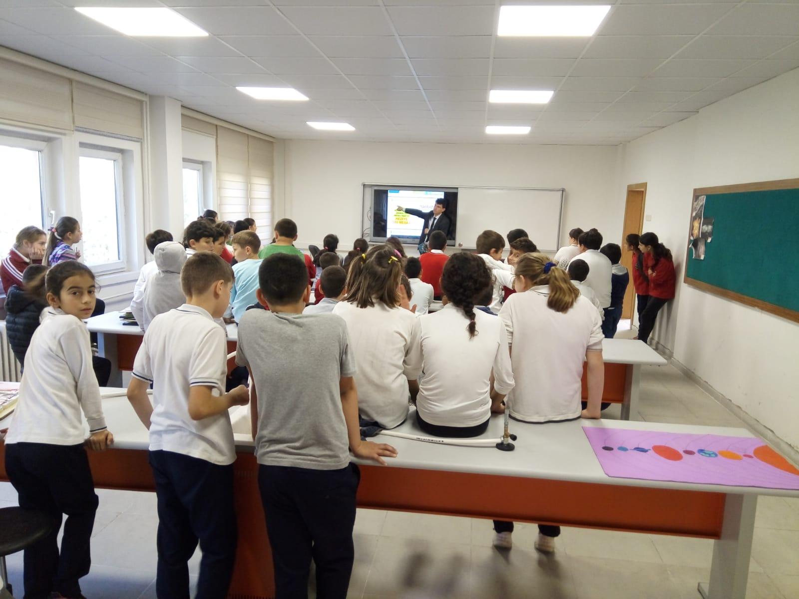 Ordu Perşembe Kırlı Ortaokulu'nda Bilinçli ve Güvenli İnternet Semineri