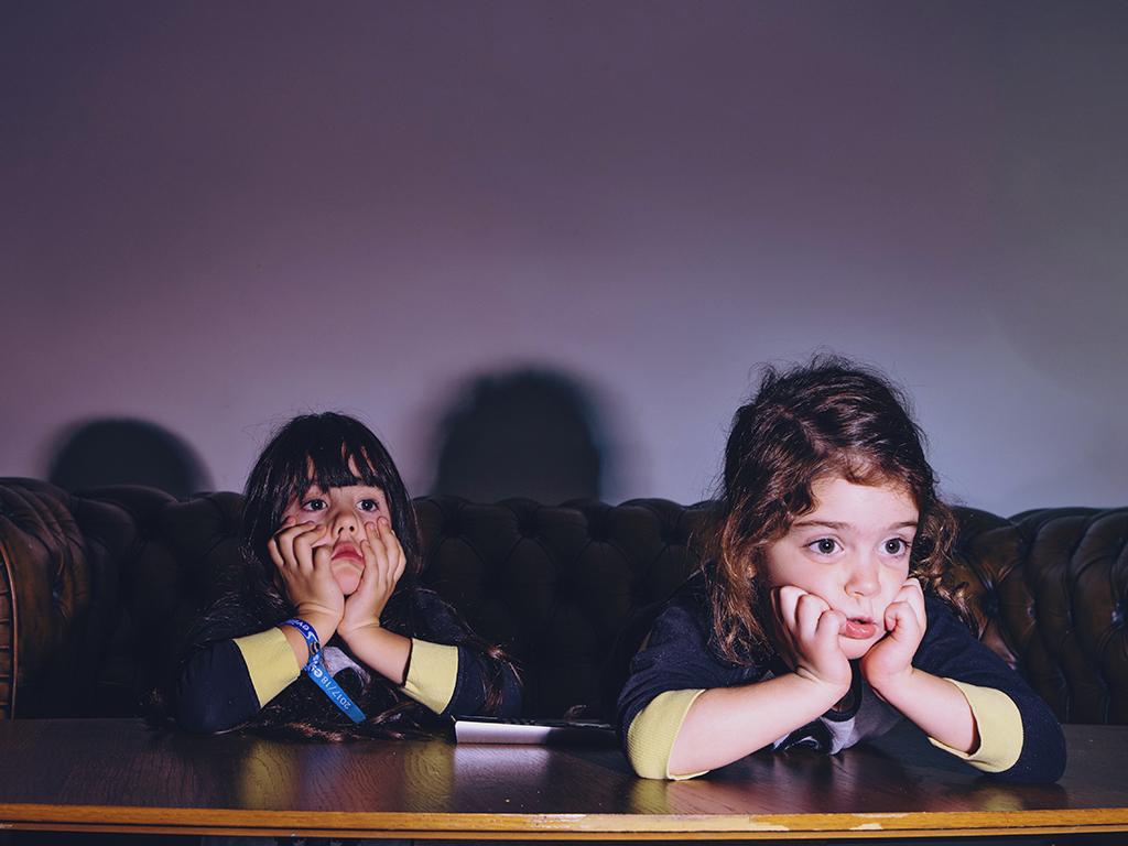 Ekranların Karanlık Yüzü: Çizgi Filmler ve Dijital Dünya