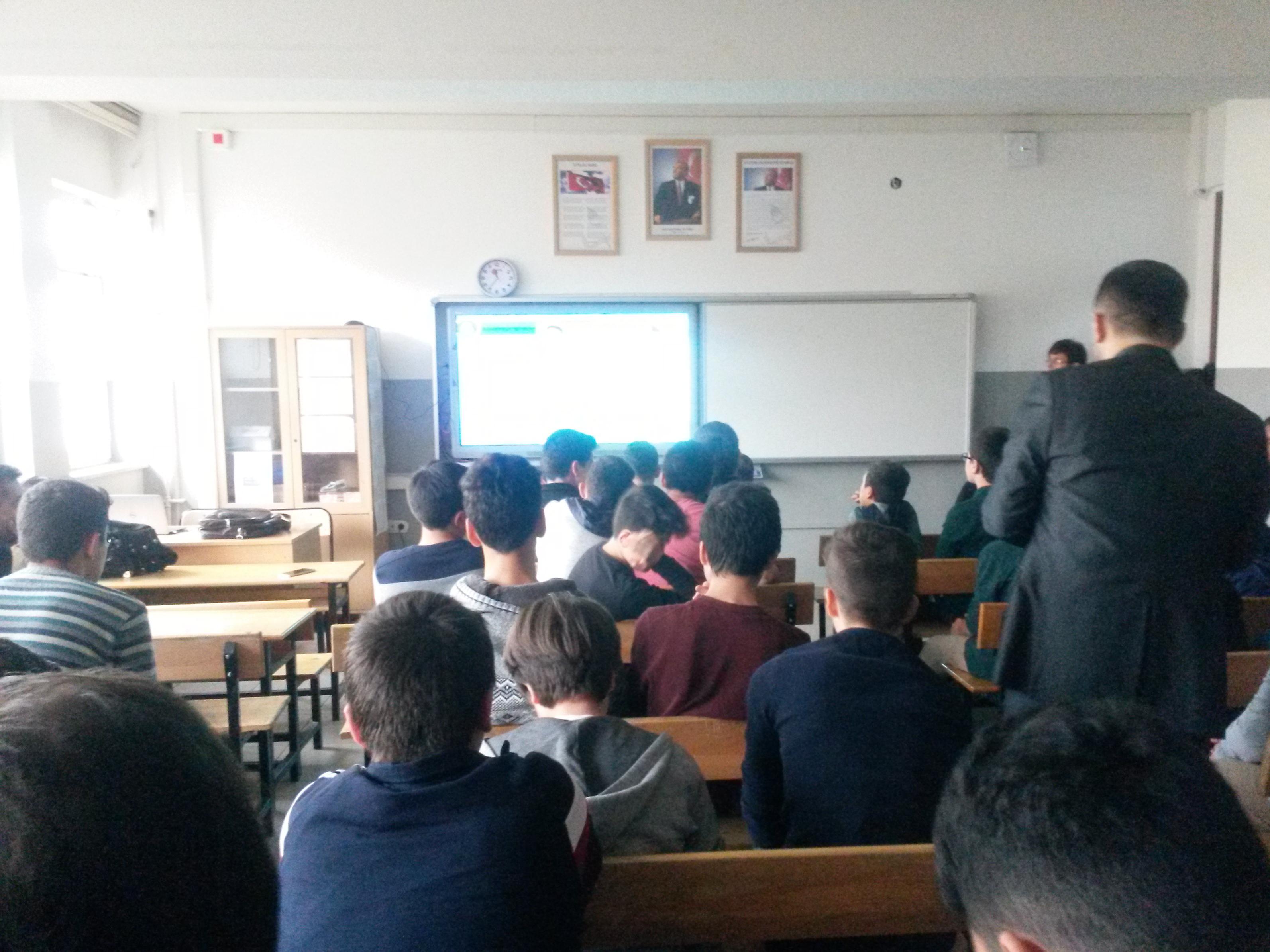 Ankara İMKB Alpaslan İmam-Hatip Ortaokulu'nda Bilinçli ve Güvenli İnternet Semineri