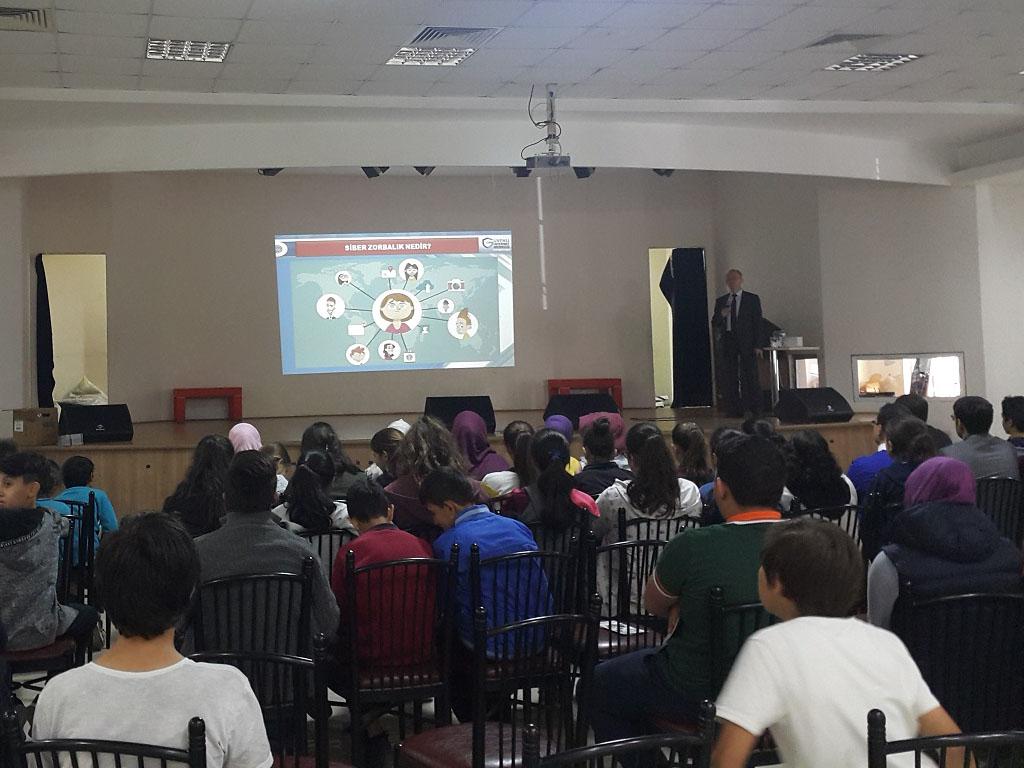 Uşak Karahallı İlçe Milli Eğitim Müdürülüğüne Bağlı Ortaokullara Seminer