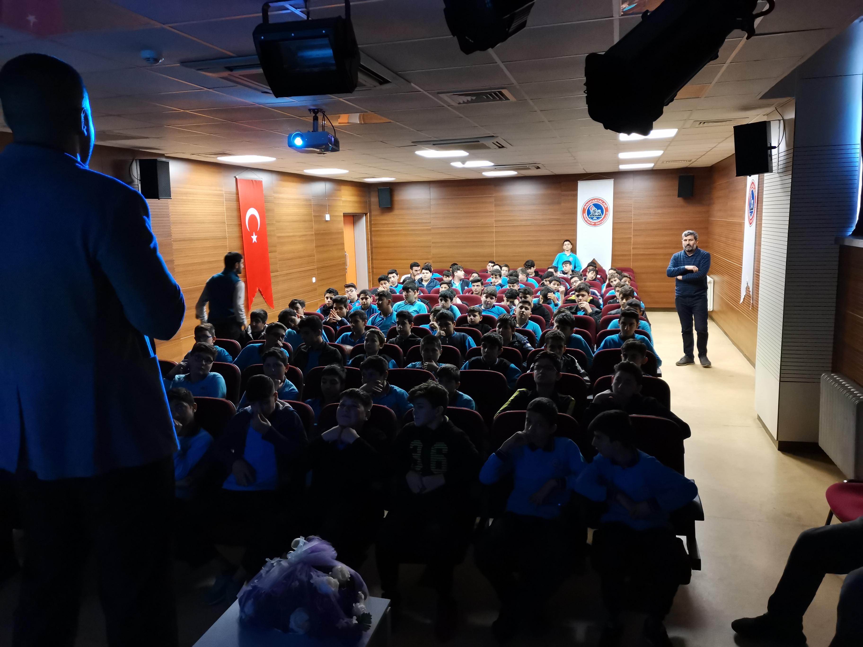 İstanbul Sultanbeyli Anafartalar İmam-Hatip Ortaokulunda, Bilinçli ve Güvenli İnternet Semineri