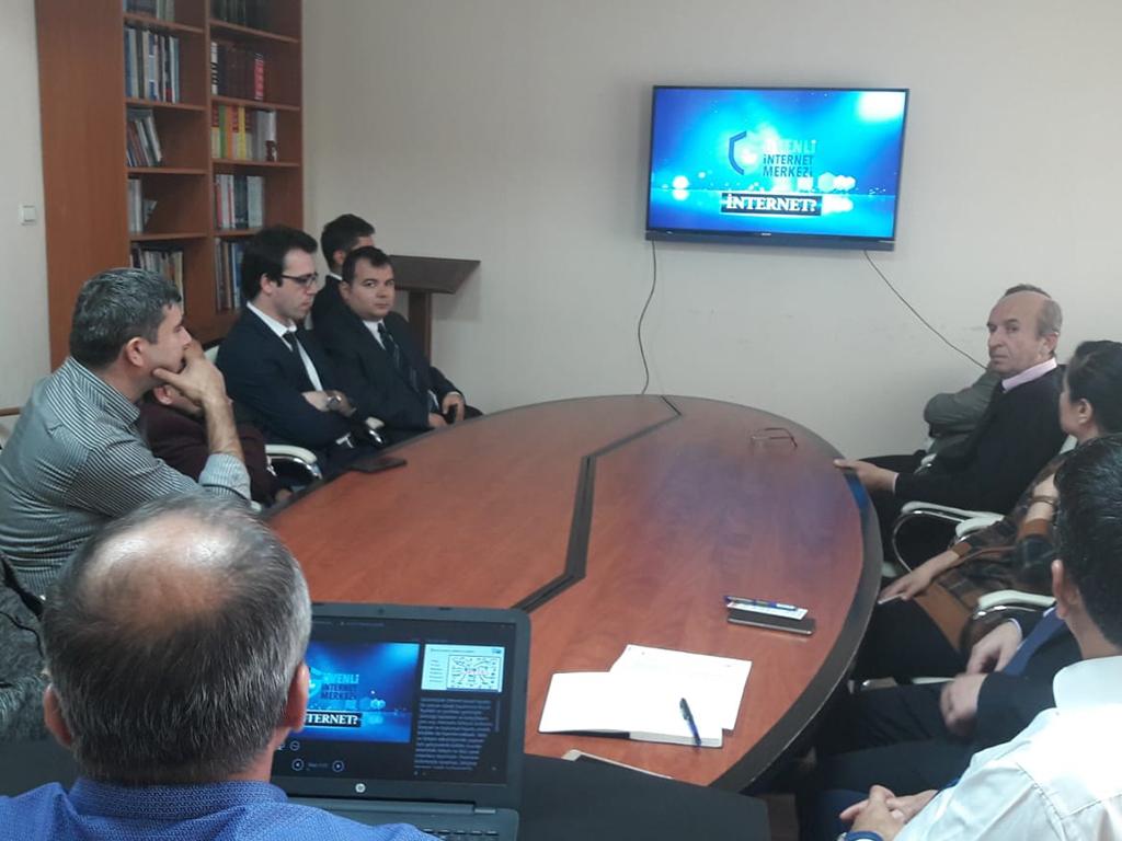 Zonguldak Devrek Kaymakamlığında Bilinçli ve Güvenli İnternet Semineri