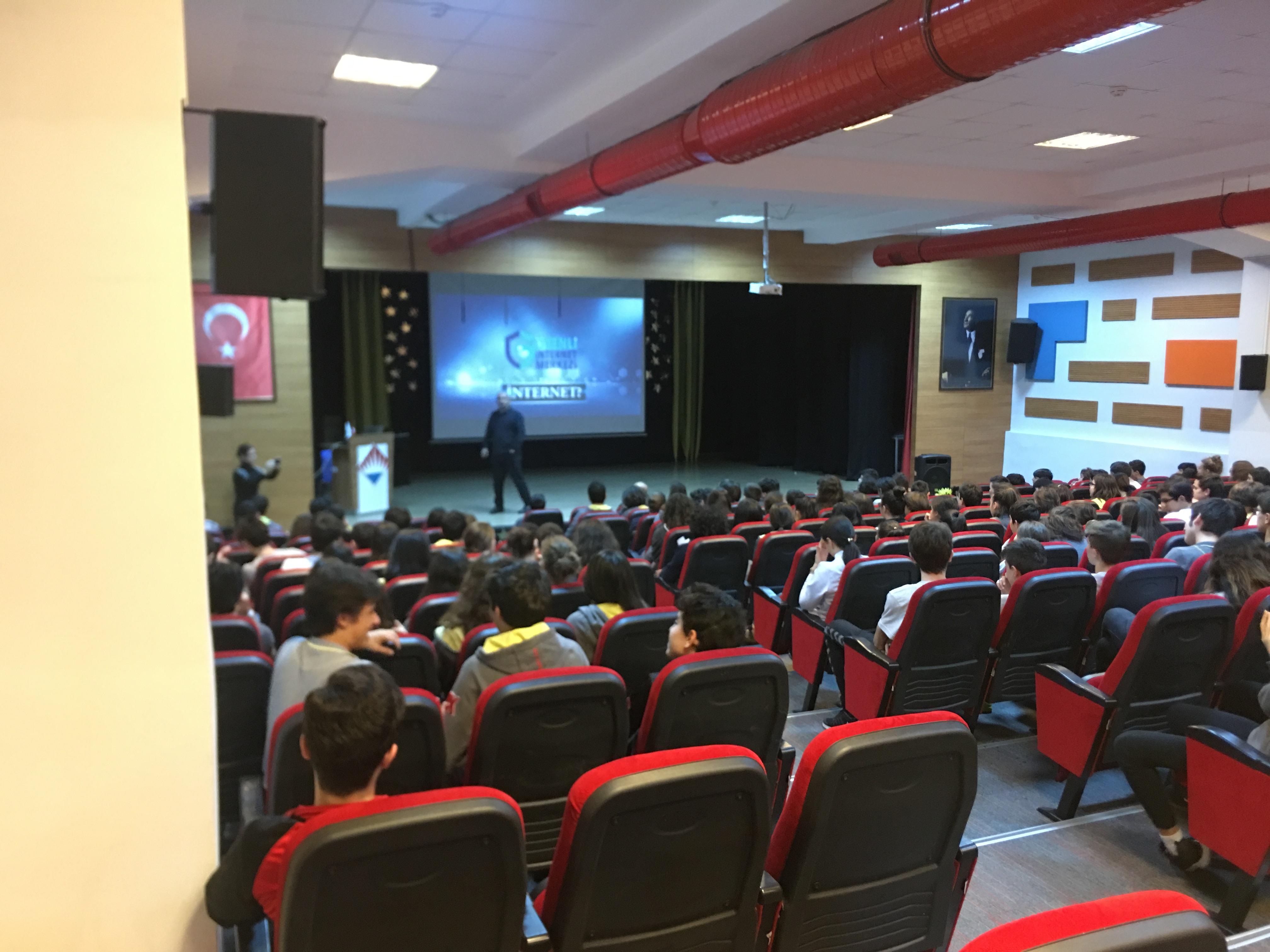 Ordu Özel Bahçeşehir Lisesi'nde Bilinçli ve Güvenli İnternet Semineri