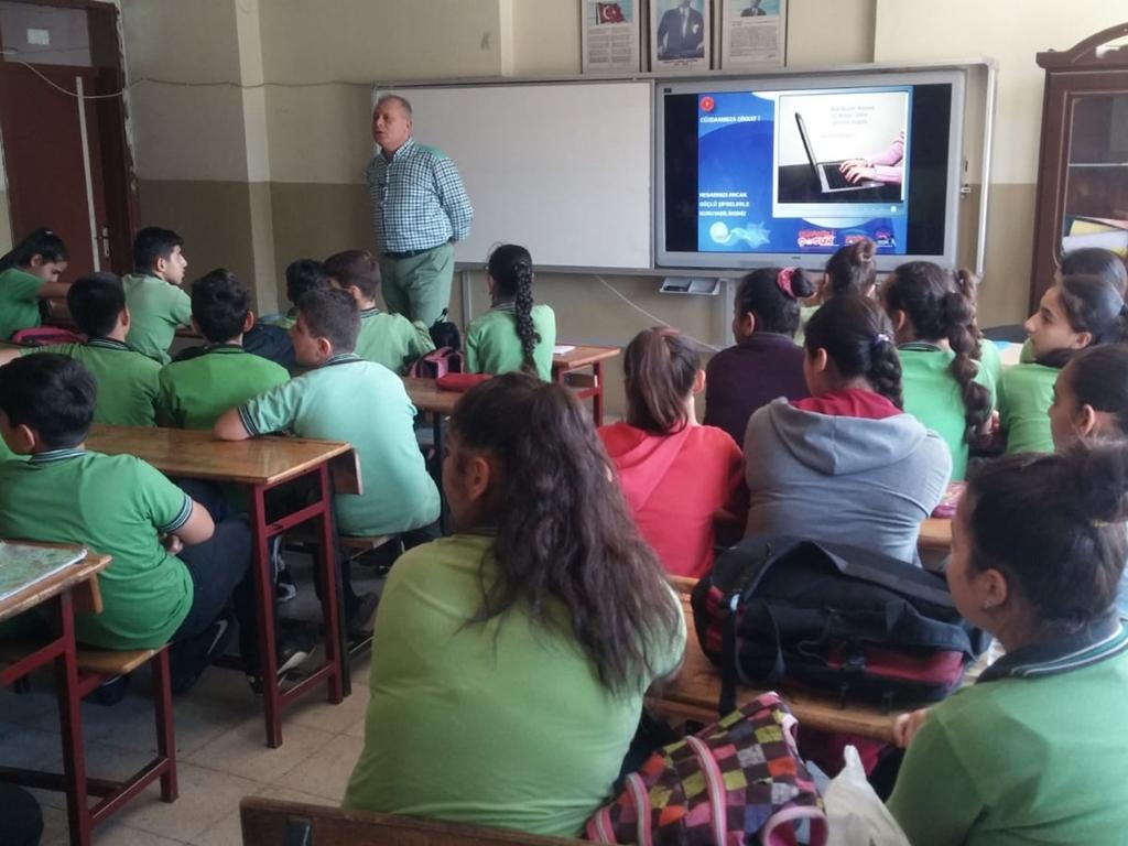 Antakya Şehit Nizam Akdeniz Ortaokulu'nda Bilinçli ve Güvenli İnternet Semineri