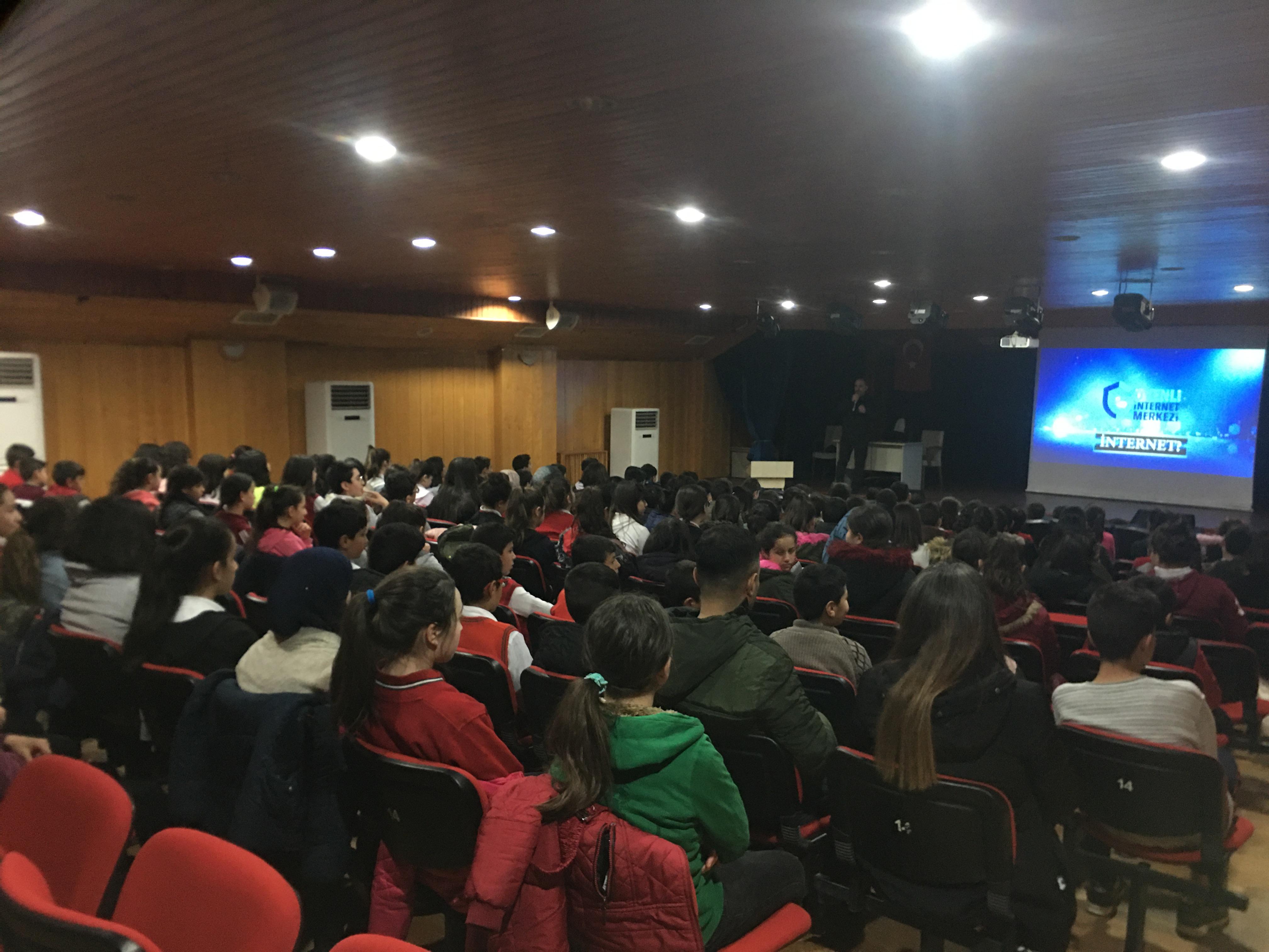 Çorum Sungurlu Milli Eğitim Müdürlüğüne Bağlı Ortaokullara Yönelik, Bilinçli Ve Güvenli İnternet Semineri
