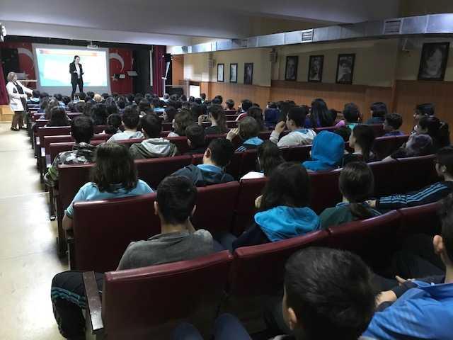 İstanbul Avcılar Ali Karay Ortaokulunda, Bilinçli Ve Güvenli İnternet Semineri
