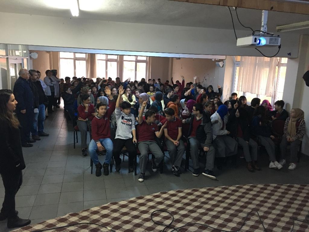 Trabzon Sürmene Ayşe Kırali Ortaokulu, Bilinçli ve Güvenli İnternet Semineri