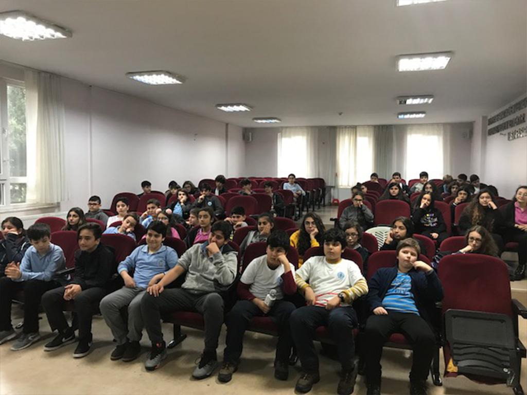 İstanbul Şişli Talat Paşa Ortaokulu'nda Bilinçli ve Güvenli İnternet Semineri