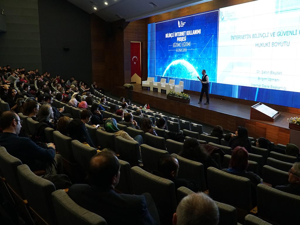Ankara Altındağ İlçe Milli Eğitim Müdürlüğü İle BTK Bilinçli İnternet Kullanımı Eğitici Eğitimleri