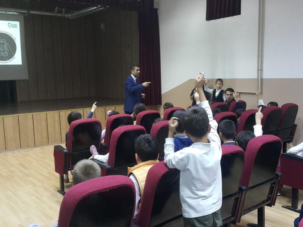 Ankara Pursaklar Hakan Akbıyık İlkokulu'nda Bilinçli ve Güvenli İnternet Semineri