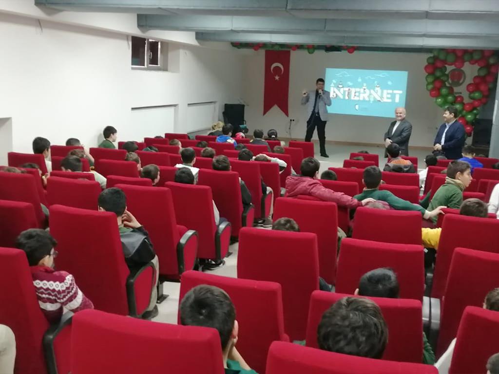 Ankara Yenimahalle Alaaddin Özdenören İmam-Hatip Ortaokulu Öğrencilerine, Bilinçli Ve Güvenli İnternet Semineri