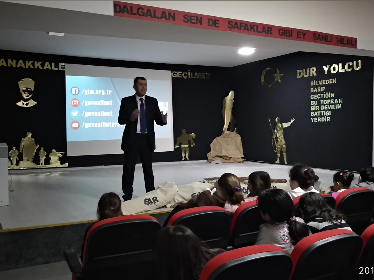 Ankara Yemimahalle  Batıkent Yükselis Kolejinde, Bilinçli Ve Güvenli İnternet Semineri