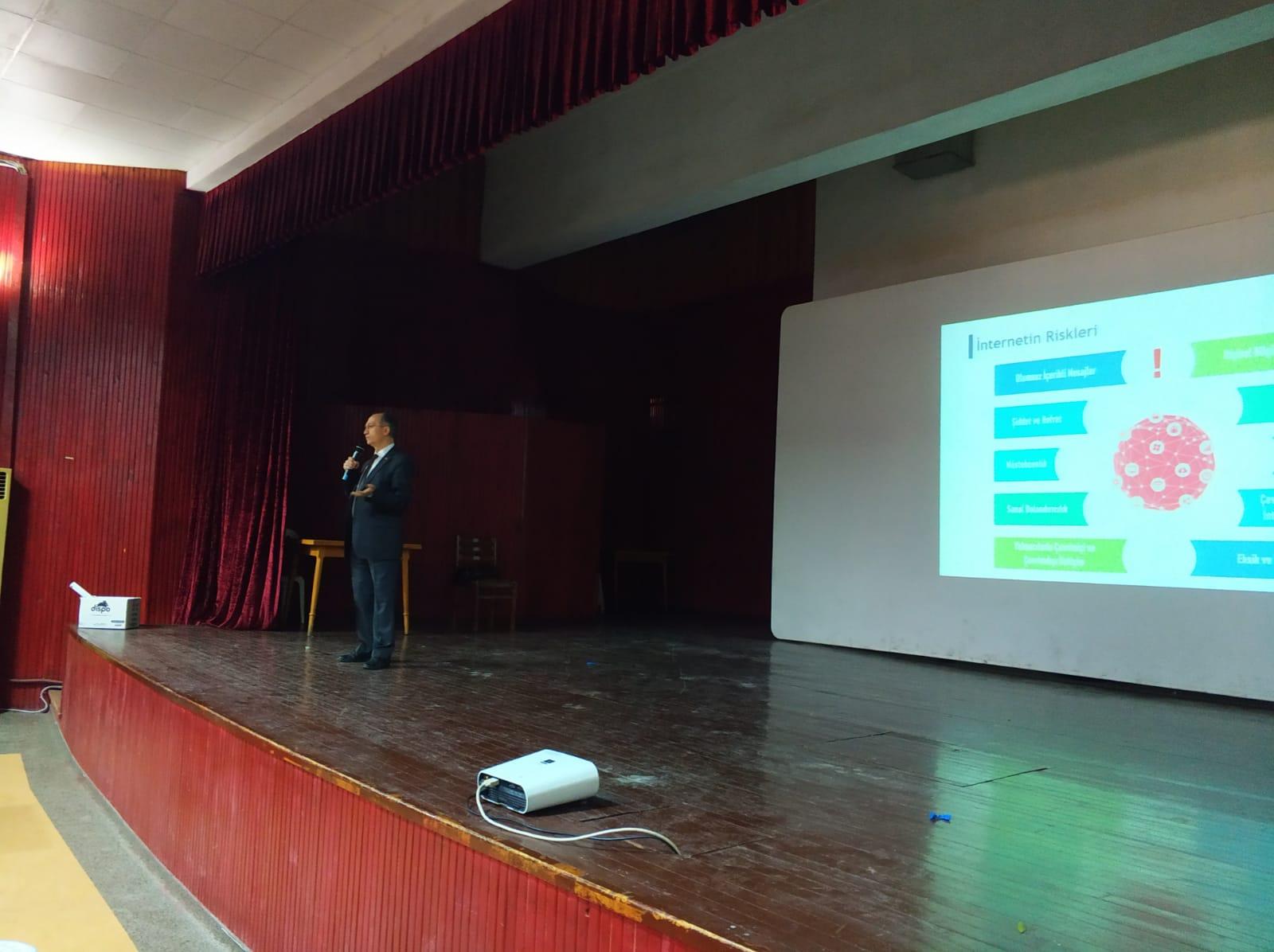 Aydın Sultanhisar, Sultanhisar Ortaokulu, Bilinçli Ve Güvenli İnternet Semineri