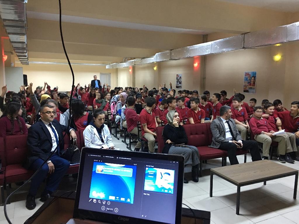 Trabzon Arsin Mehmet Akif Ersoy Ortaokulu, Bilinçli ve Güvenli İnternet Semineri