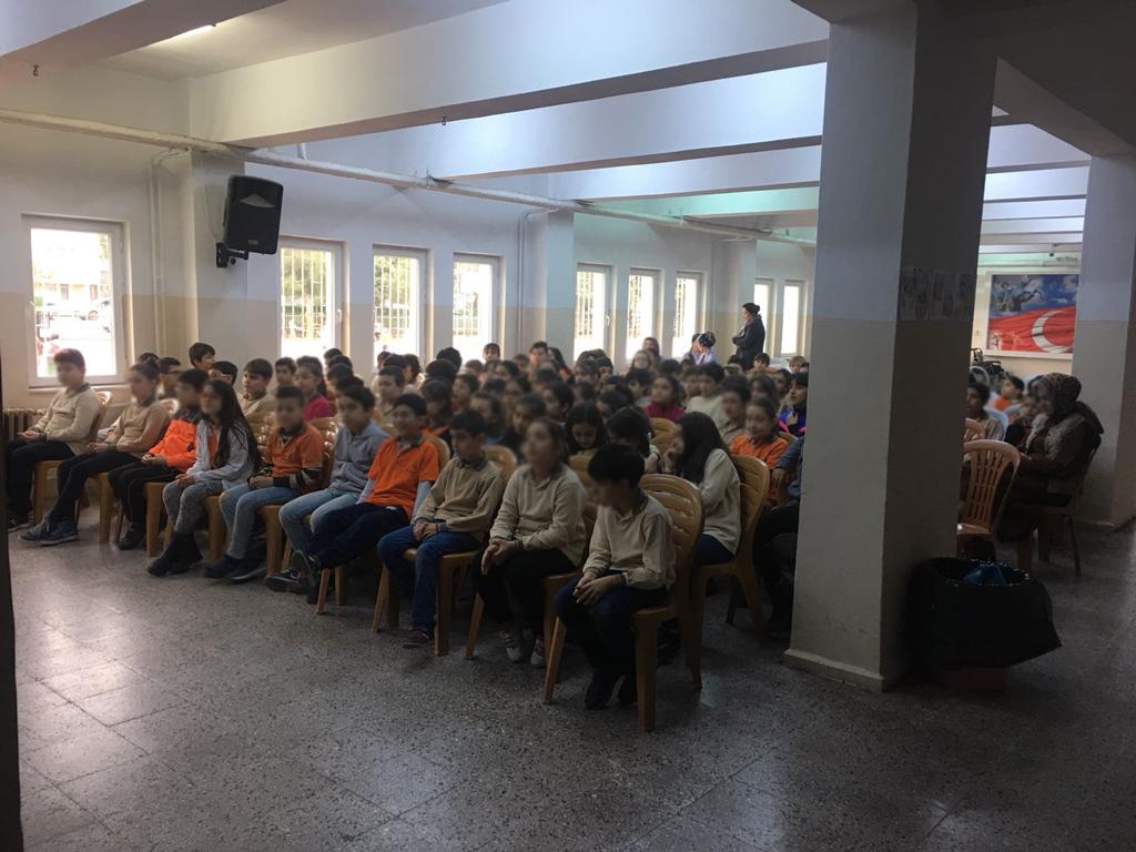 Samsun Atakum Mimar Sinan İlkokulu'nda Bilinçli ve Güvenli İnternet Semineri