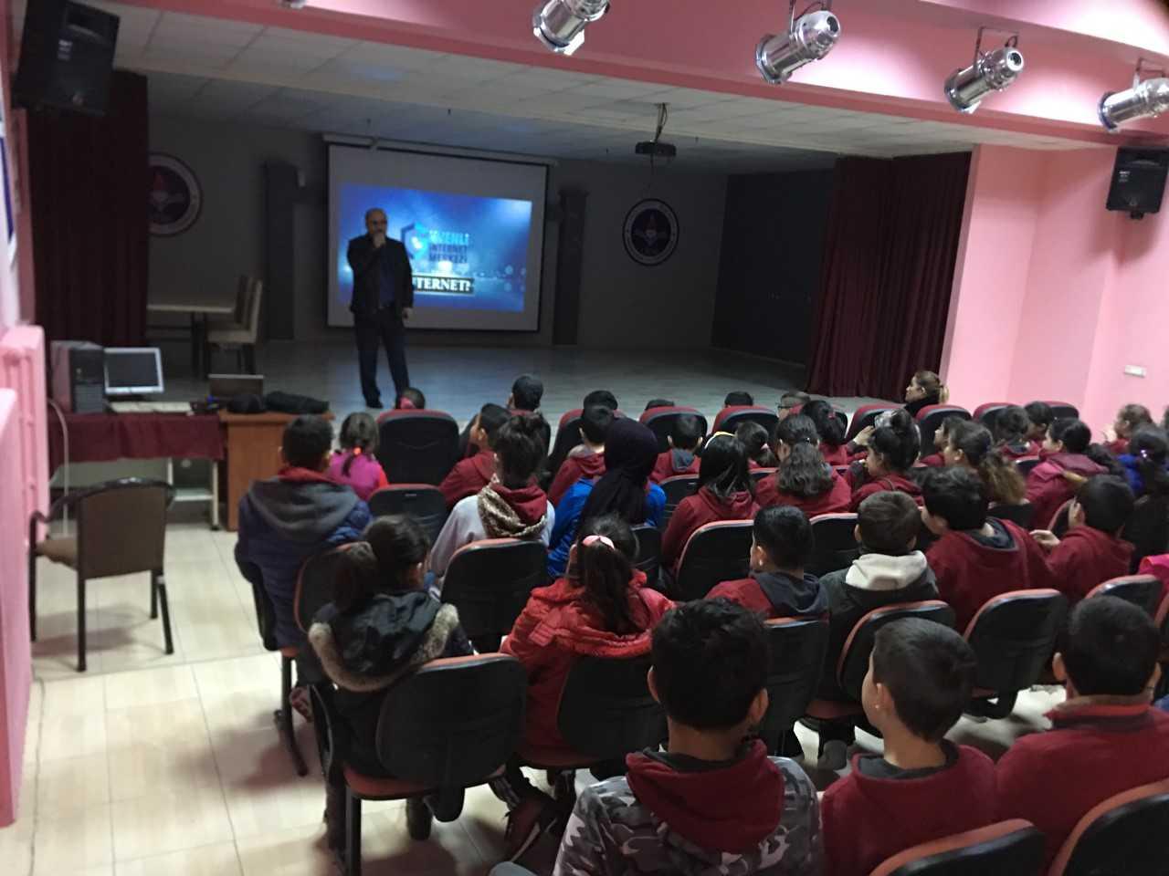 Samsun Canik İnönü Ortaokulu'nda Bilinçli Ve Güvenli İnternet Semineri