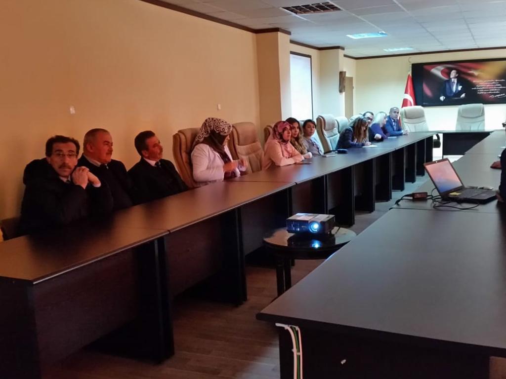 Kastamonu Daday Kaymakamlığında Bilgi Güvenliği ve İnternetin Bilinçli Kullanımı Eğitimi