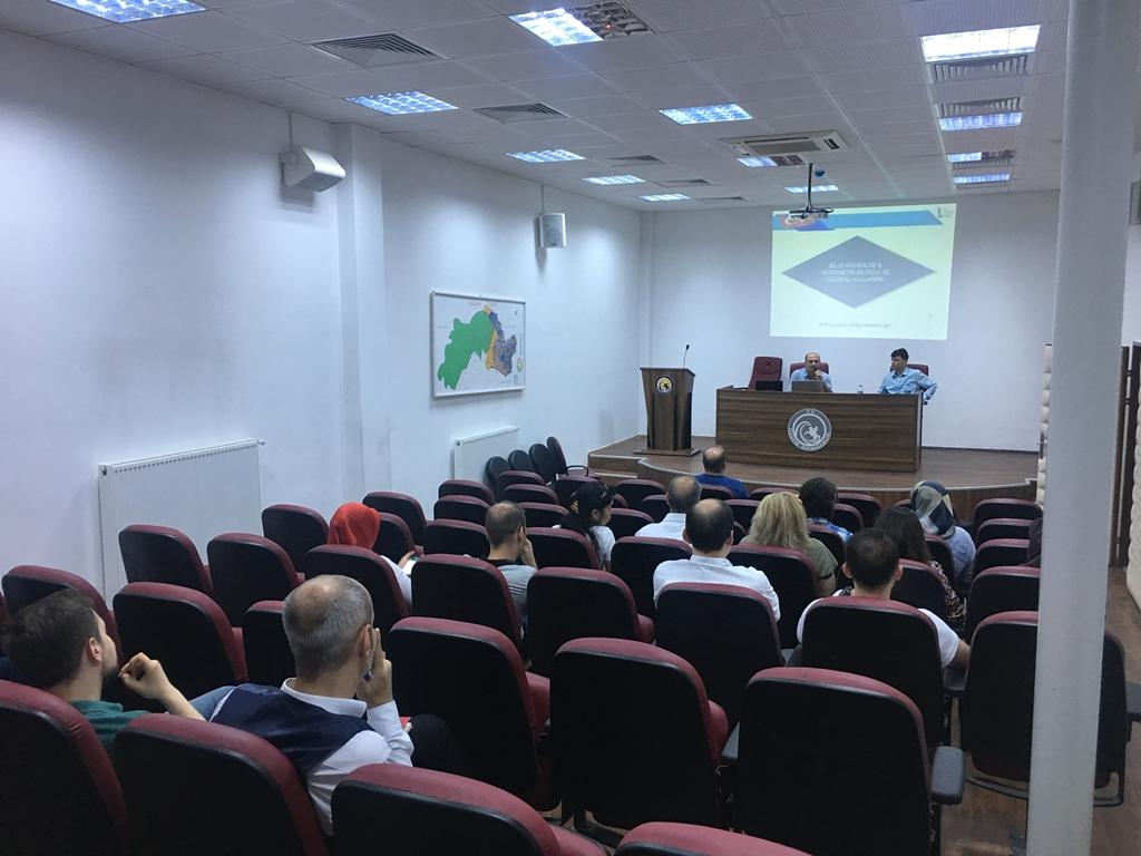 Samsun İlkadım Kaymakamlığı'nda Bilgi Güvenliği ve İnternetin Bilinçli Kullanımı Eğitimi