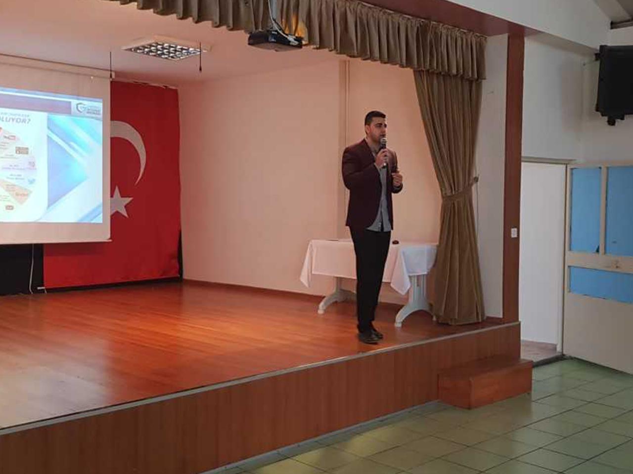 İstanbul Kadıköy Halil Türkkan Ortaokulunda, Bilinçli Ve Güvenli İnternet Semineri